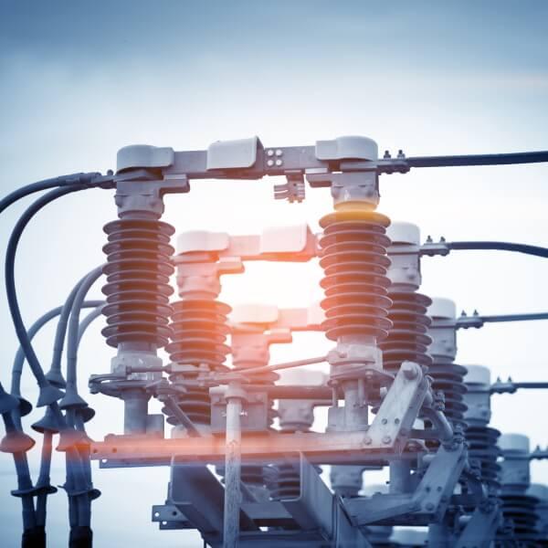 Global monitoring for circuit breaker Image